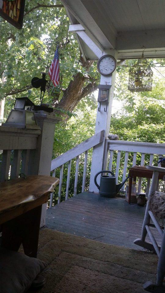 Porch withut Jenny August 2016